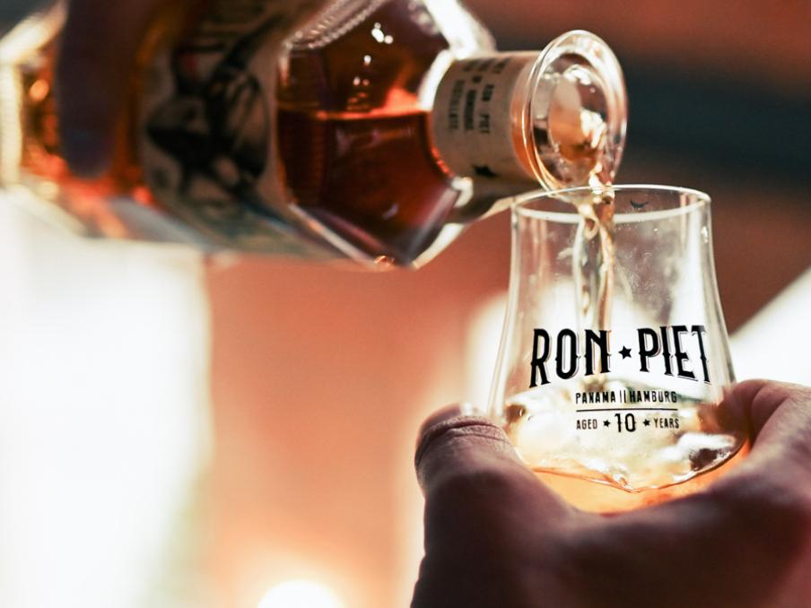 Ron Piet: Interaktive Produkt-Launch-Kampagne - Webseitengestaltung