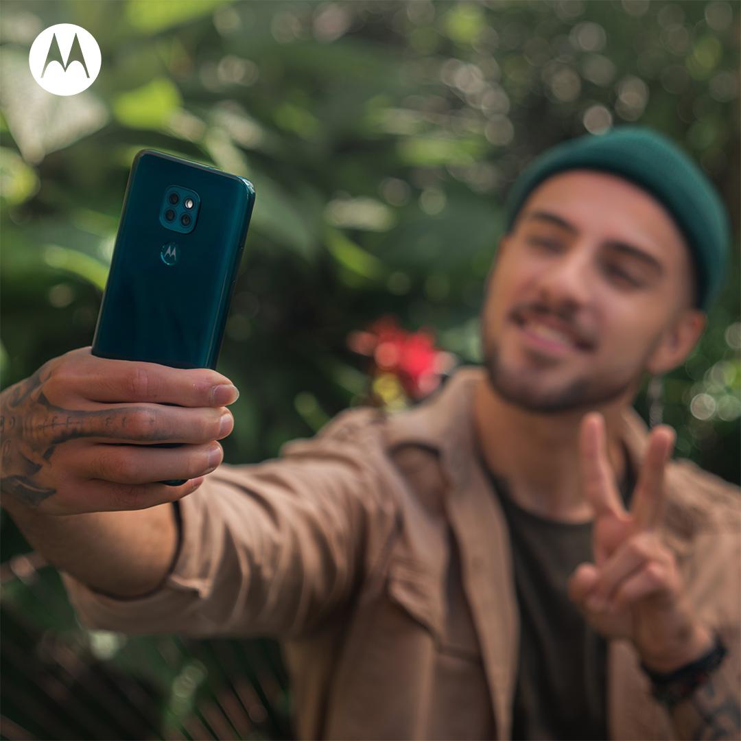 Motorola: Social Media Management - Social media