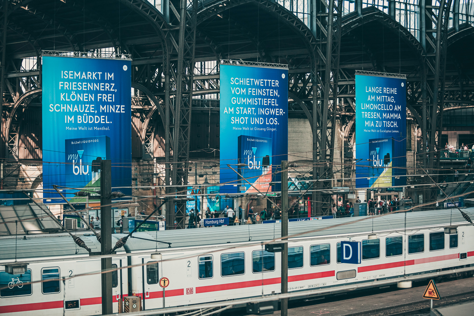 myblu   Bahnhofsdominanz - Werbung